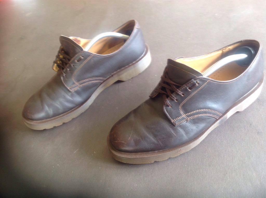 chaussures derbies cuir england doc martens d 39 occasion. Black Bedroom Furniture Sets. Home Design Ideas